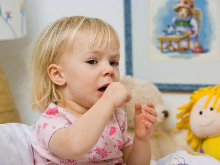 Кашель у ребенка, чем лечить без температуры, народные средства