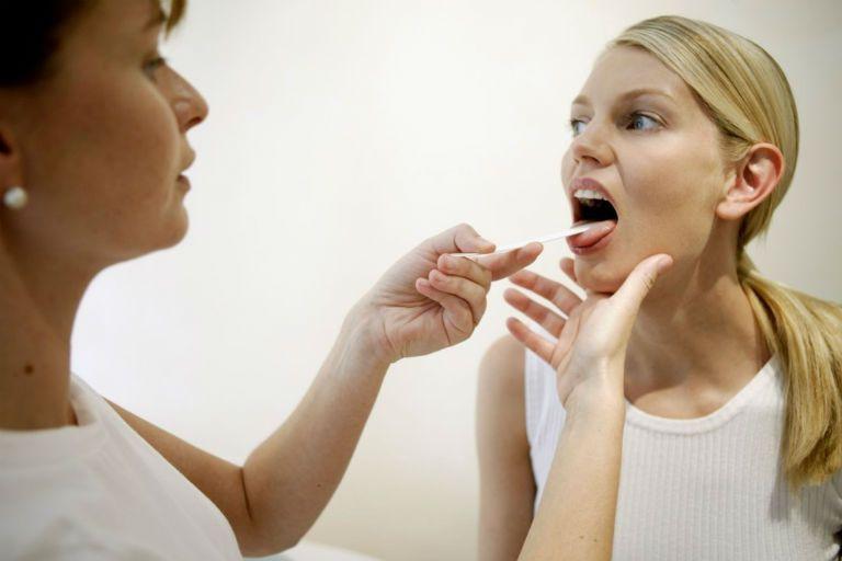 Першение в горле и сухой кашель, лечение народными средствами