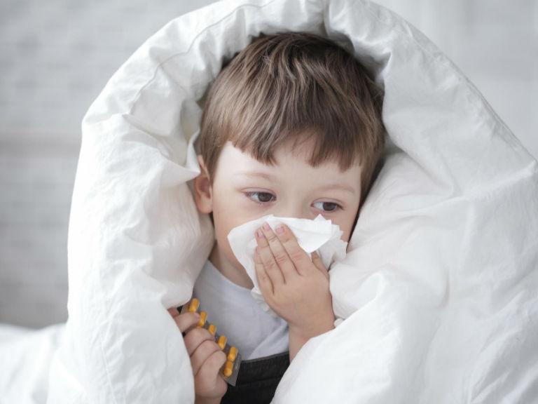 Кашель и сопли у ребенка, чем лечить без температуры