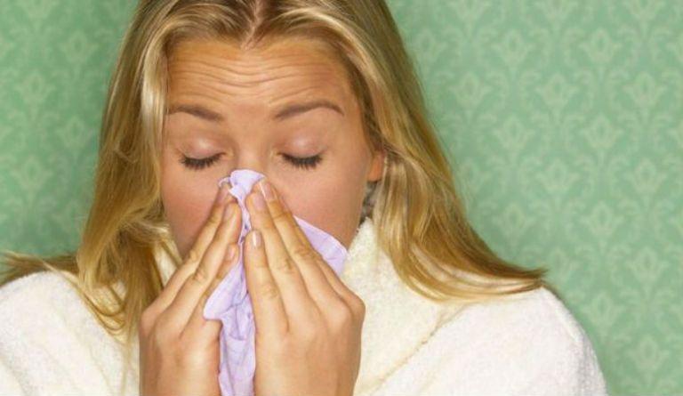Першение в горле и сухой кашель длительное время, причины