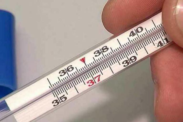 У ребенка температура 37,6 и кашель насморк больше недели