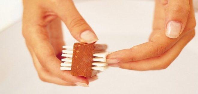 Очищаем ногти