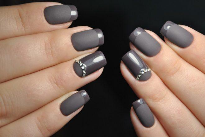 Маникюр в серых тонах на короткие ногти фото