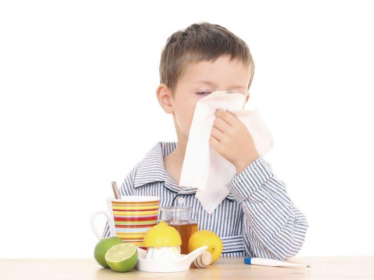 Влажный кашель у ребенка без температуры, чем лечить