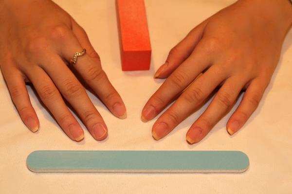 наращивание ногтей гелем что нужно