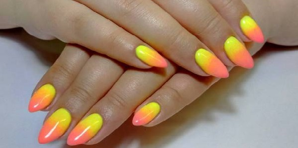 маникюр лимон на ногтях