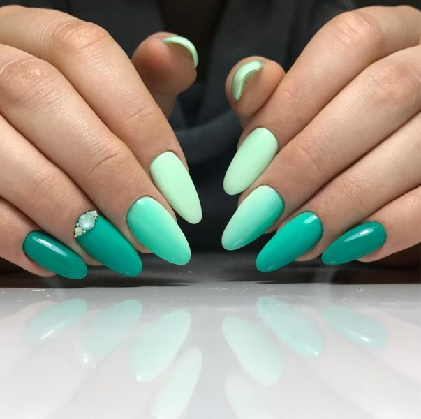 Стильные и красивые ногти омбре
