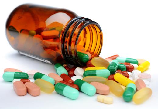баночка с лекарствами