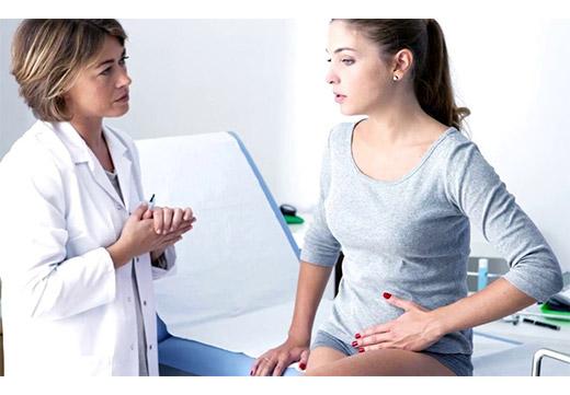 Обследование женщины у гинеколога
