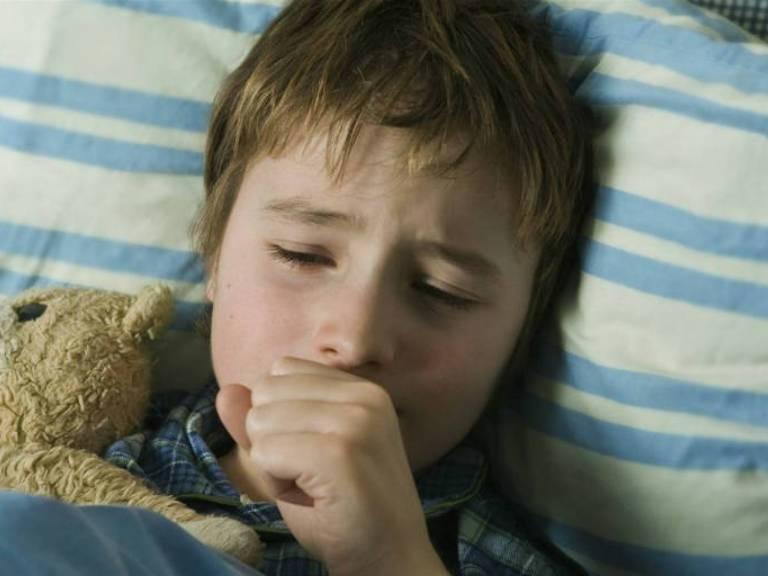 Першение в горле и сухой кашель, лечение у ребенка