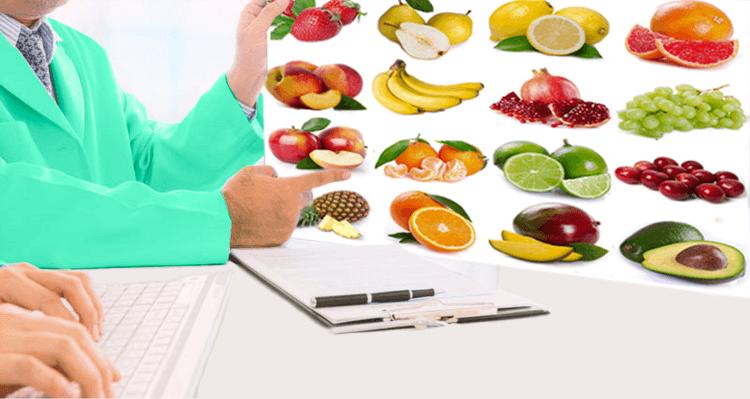 Врач показывает какие можно фрукты при гастрите картинка