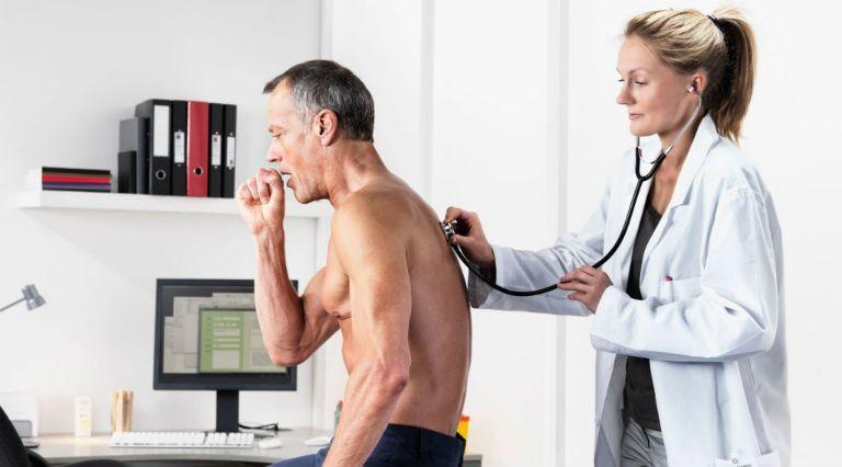 Сухой кашель у взрослого долго не проходит без температуры