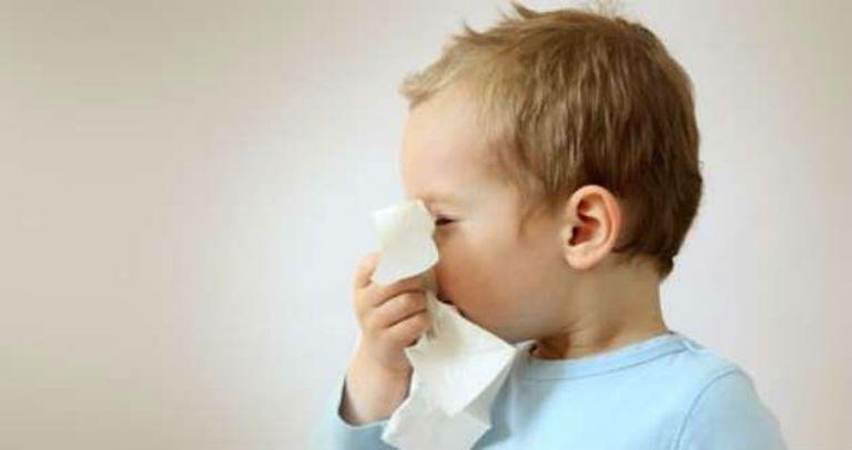 Кашель от соплей у ребенка, чем лечить