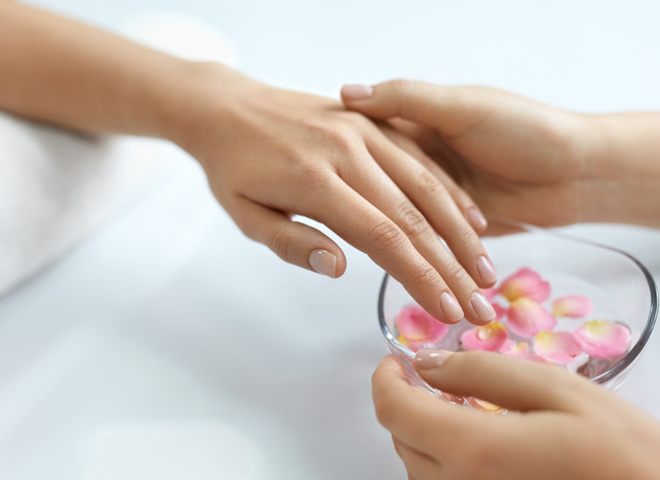 Полезные советы по уходу за ломкими ногтями
