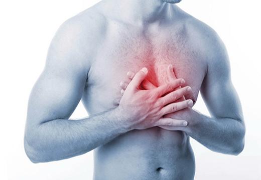 боль в груди