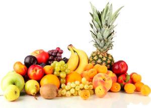 Разные фрукты на белом фоне картинка