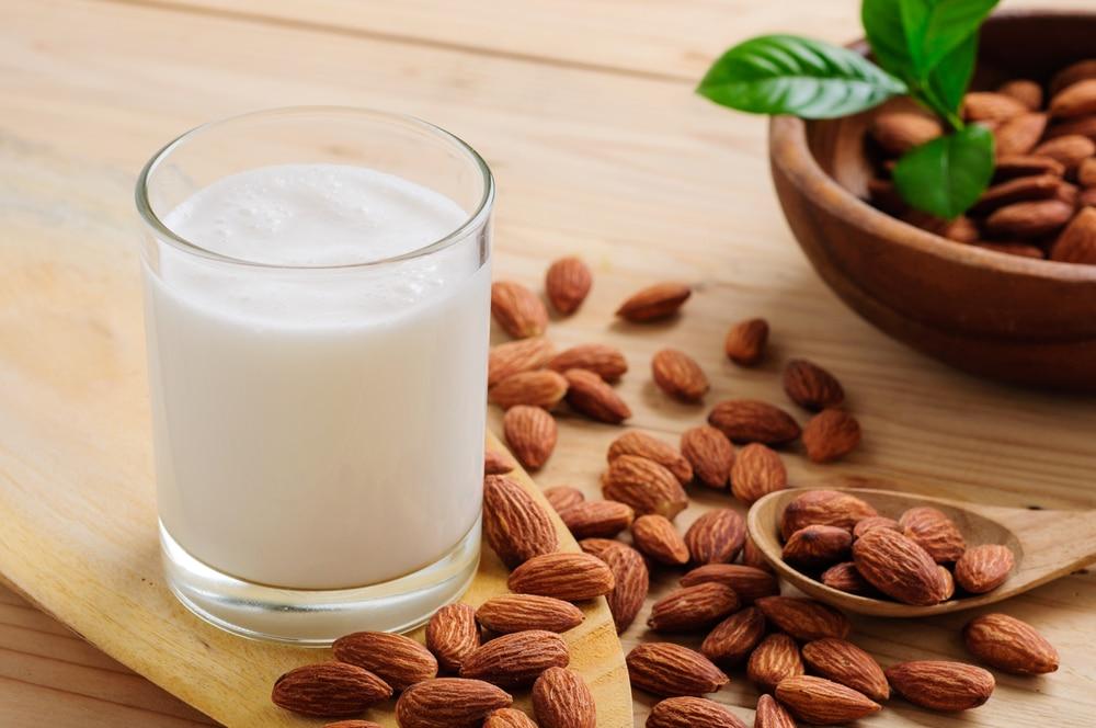 Миндальное молоко при гипертонии